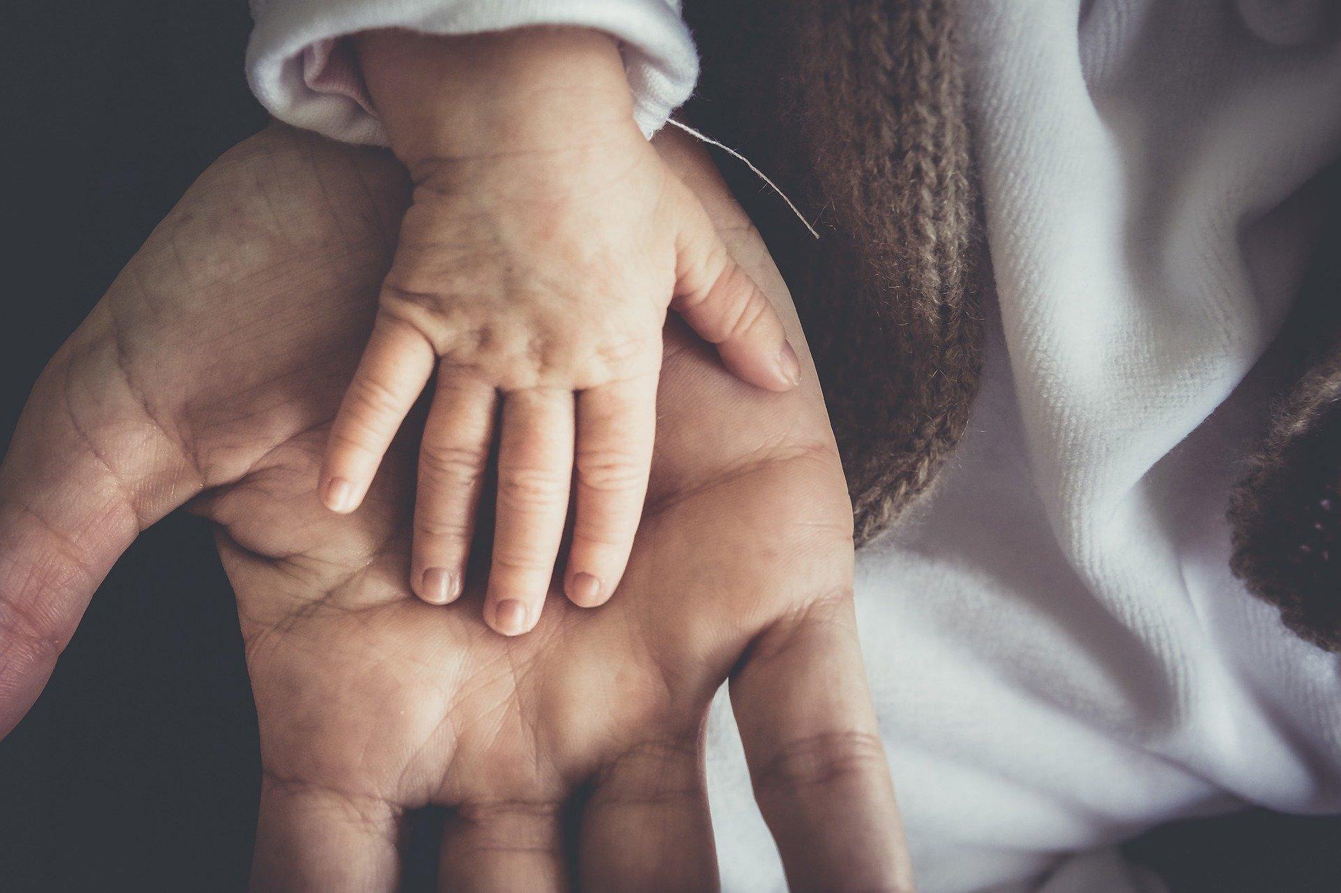 Congé paternité : doublement de la durée.